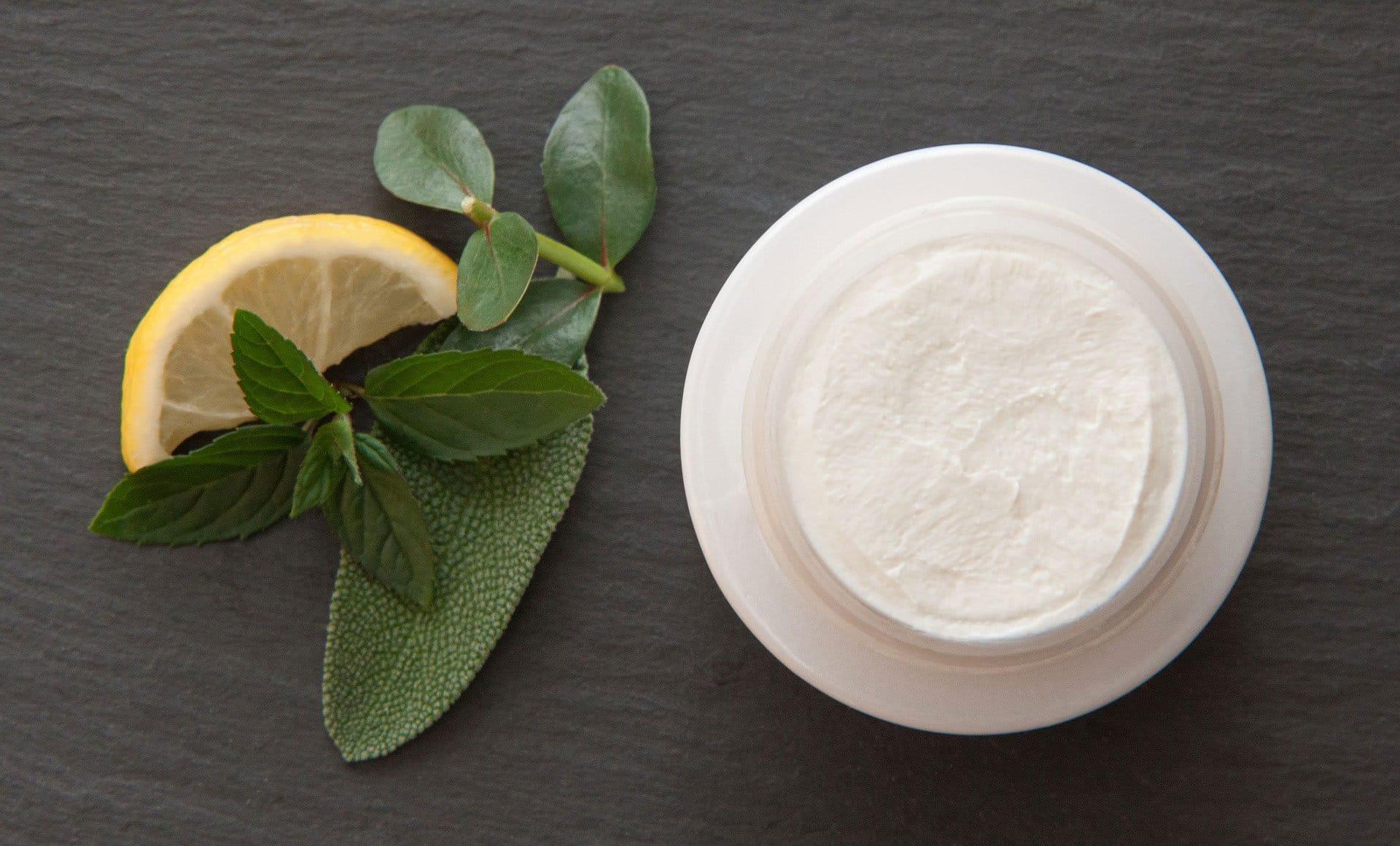 4 étapes pour rendre sa crème pour le visage plus efficace