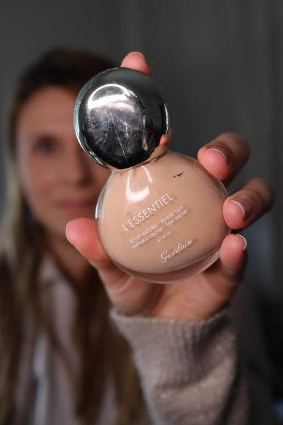 Application fond de teint guerlain - Maquillage débutant - Mon peau de crème Emonoé