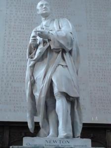 buste Newton à Cambridge compressé