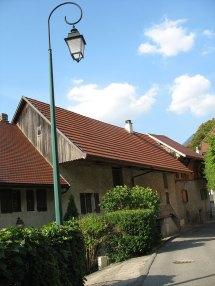 Duingt village maison