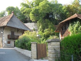 Duingt village rue lac