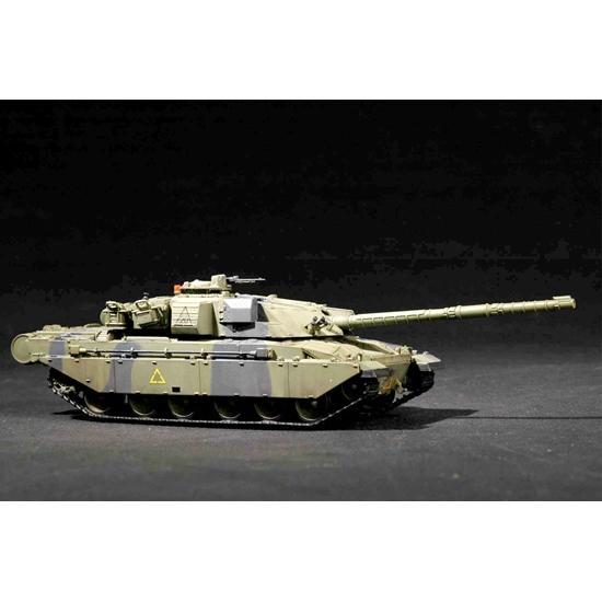 CHAR DE BATAILLE BRITANNIQUE CHALLENGER 1 MBT (version OTAN) 1:72