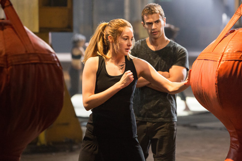 SHAILENE WOODLEY and THEO JAMES star in DIVERGENT. Photo: Jaap Buitendijk © 2013 Summit Entertainment, LLC. All rights reserved.