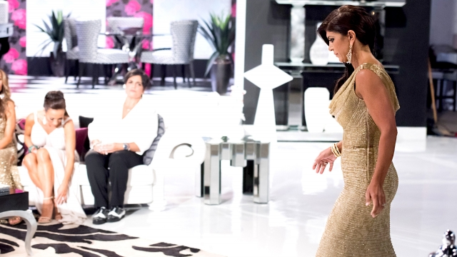 real-housewives-of-new-jersey-season-6-teresa-giudice-walks-off-the-reunion