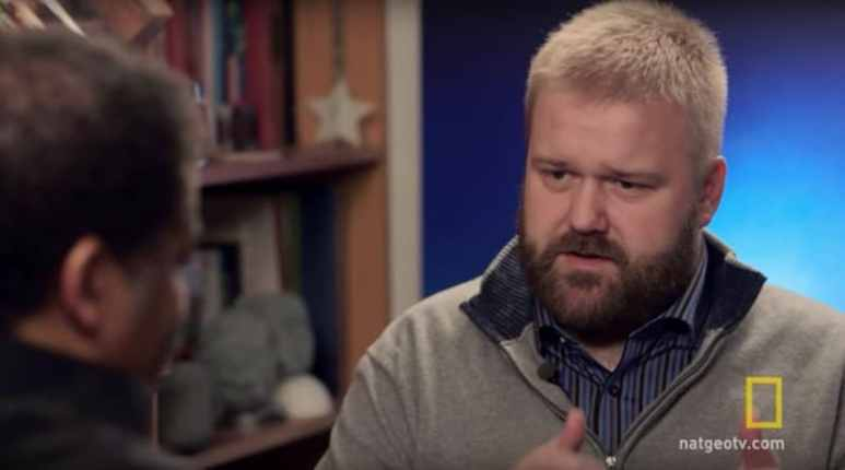 Robert Kirkman chats to Neil deGrasse Tyson about The Walking Dead on StarTalk
