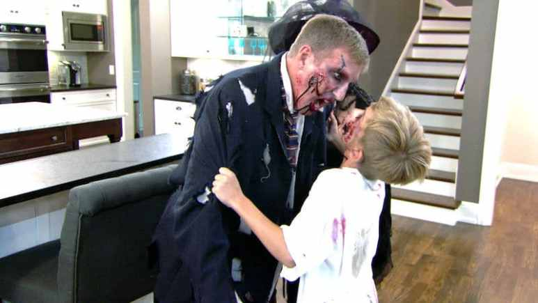 Todd and Grayson have a zombie-off on tonight's Chrisley Knows Best season finale