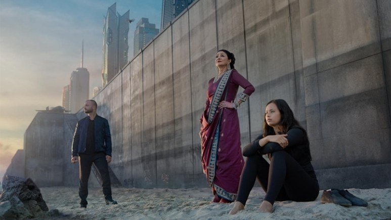 Shohreh Aghdashloo and Frankie Adams in The Expanse