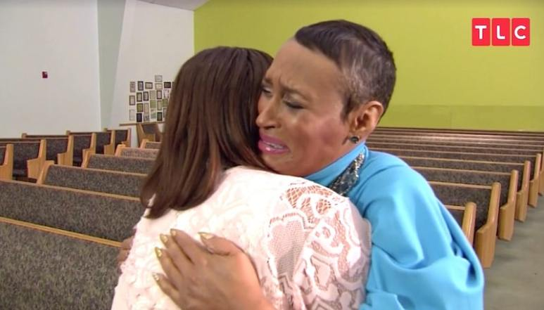 The moment Ericka meets her half-sister Tiffany for the first time on TLC's This Is Life Live