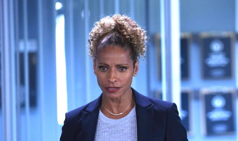 Michelle Hurd as Gina Santos in Lethal Weapon
