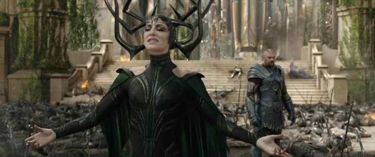 Cate Blanchett in Hela costume