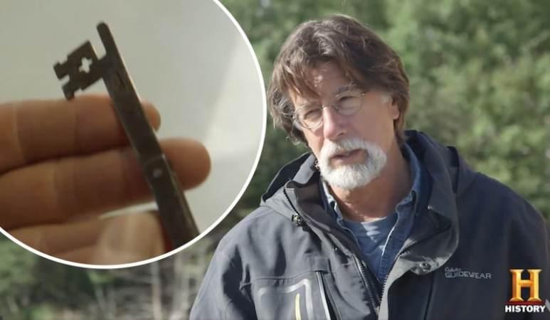 Rick Lagina and key on The Curse of Oak Island