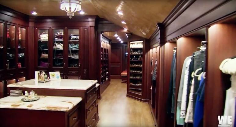 Lisa Valastro's closet