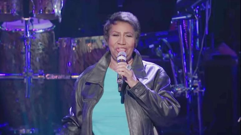 Aretha Franklin sings I Will Survive on American Idol