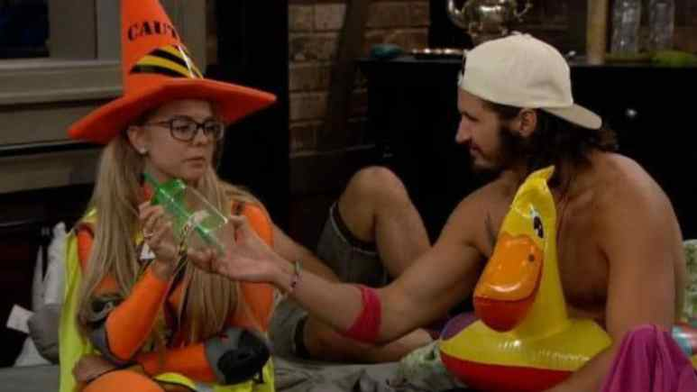 Nicole and Victor on Big Brother 18