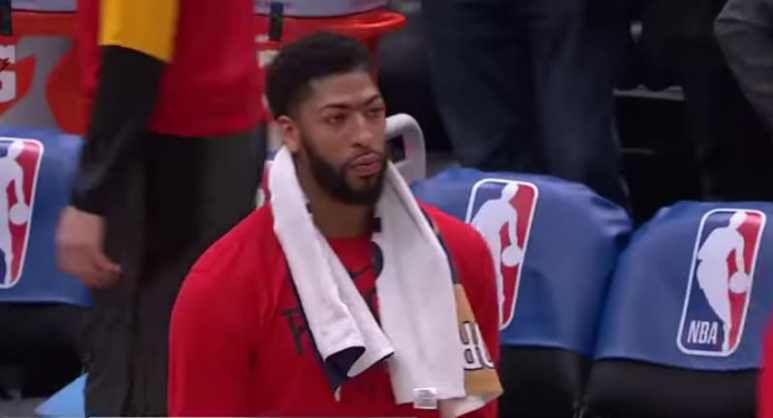 Anthony Davis during a New Orleans Pelicans game at Smoothie King Center