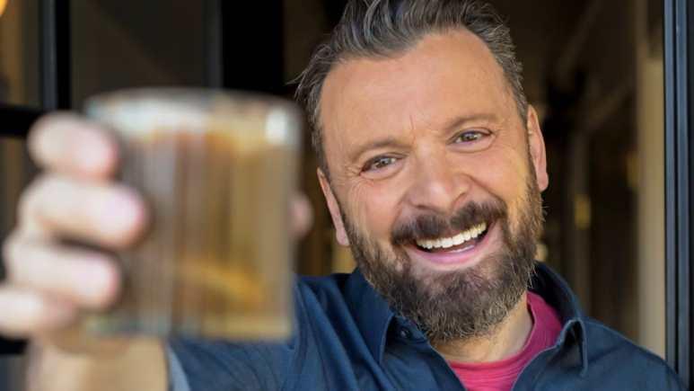 Our favorite intrepid spirited host is back, Zane Lamprey for DrinkTV. Pic credit: DrinkTV