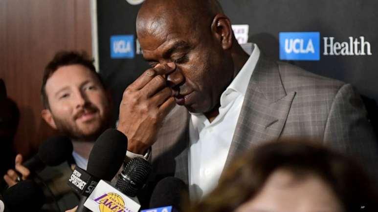 Magic Johnson resigns as Lakers' president