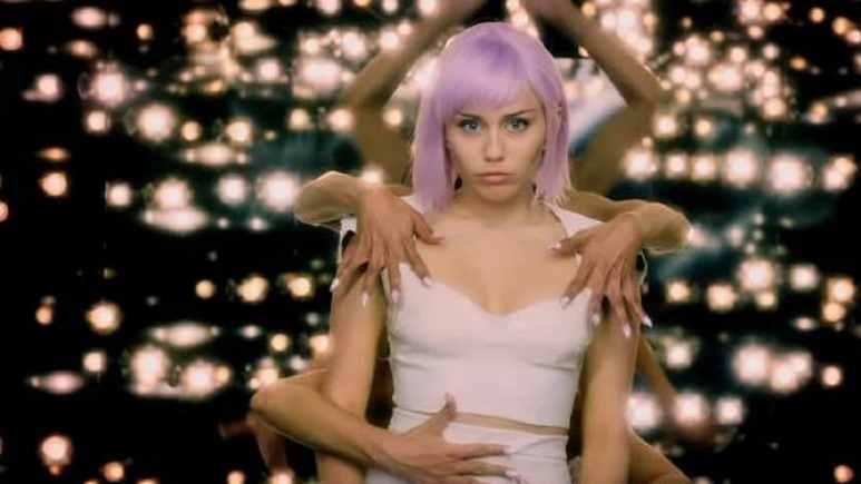 Miley Cyrus in Black Mirror Season 5
