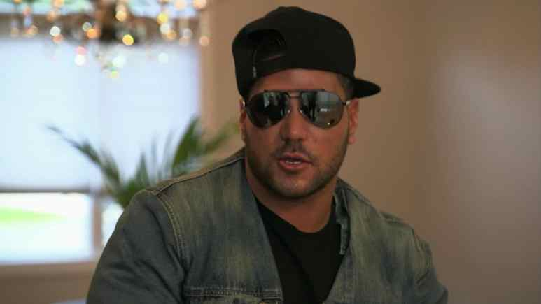 Ronnie Ortiz Magro on Jersey Shore Family Vacation