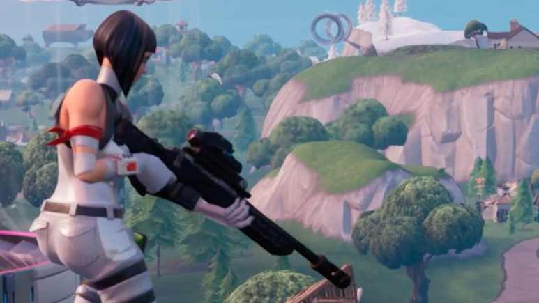 fortnite player awaits their opponents