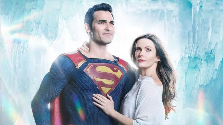 Tyler Hoechlin as Superman and Elizabeth Tulloch as Lois Lane in the Arrowverse