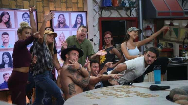 BB21 Cast Having Fun
