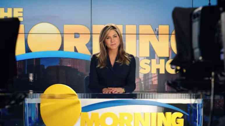 jennifer aniston stars on new apple tv series the morning show