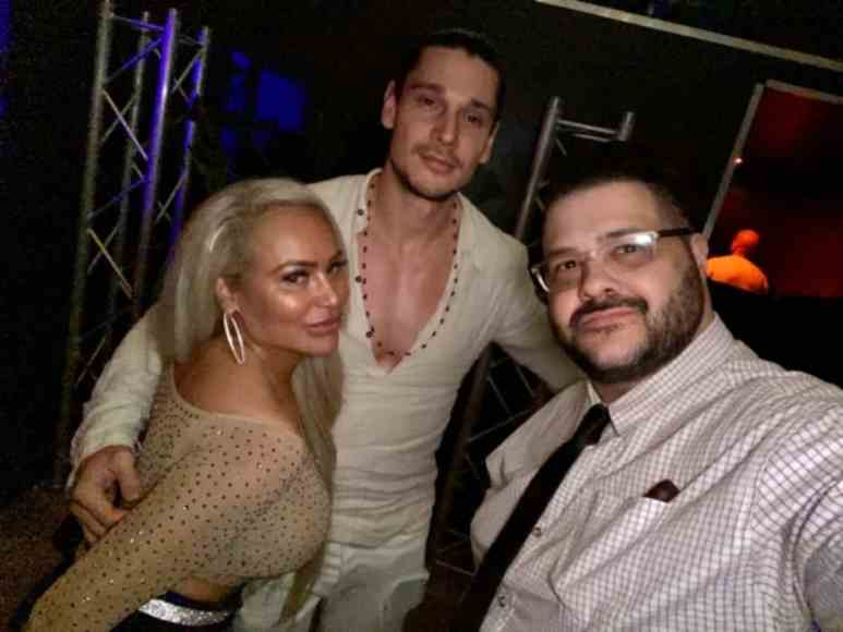 Darcey SIlva and her mystery man pose alongside celebrity publicist Domenick Nati