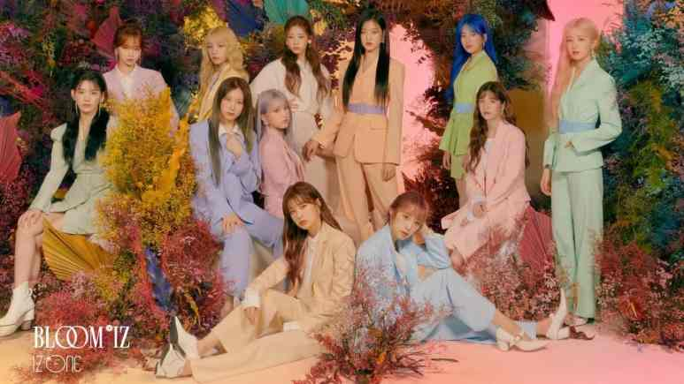 Iz*One posing for Bloom*Iz