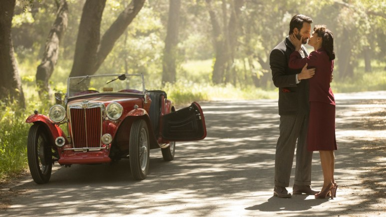 Rodrigo Santoro as Hector and Thandie Newton as Maeve