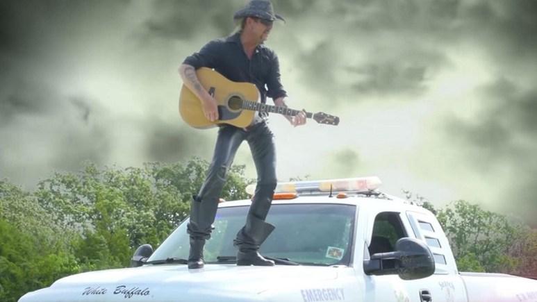 Joe Exotic sings on Tiger King