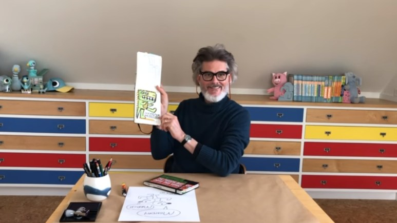 Mo Willems showing off a doodle