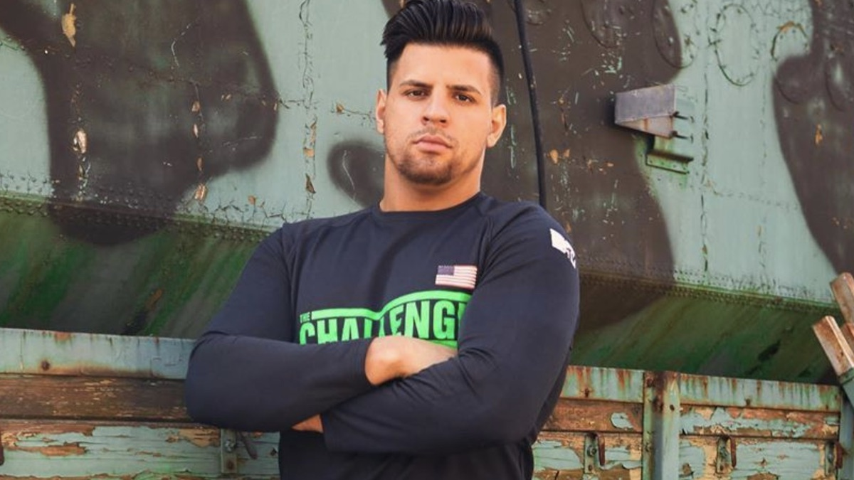 Faysal 'Fessy' Shafaat on The Challenge: Here's what to know about football  player turned Big Brother 20 vet