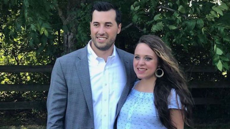 Jeremy Vuolo is in hot water for insensitive response to a fan.