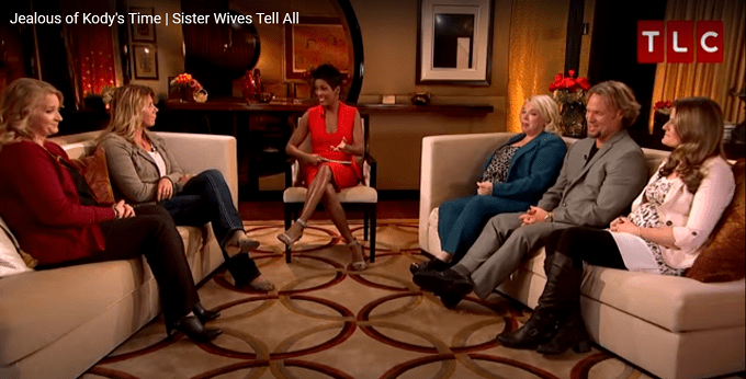 Sister Wives cast sitting on couches