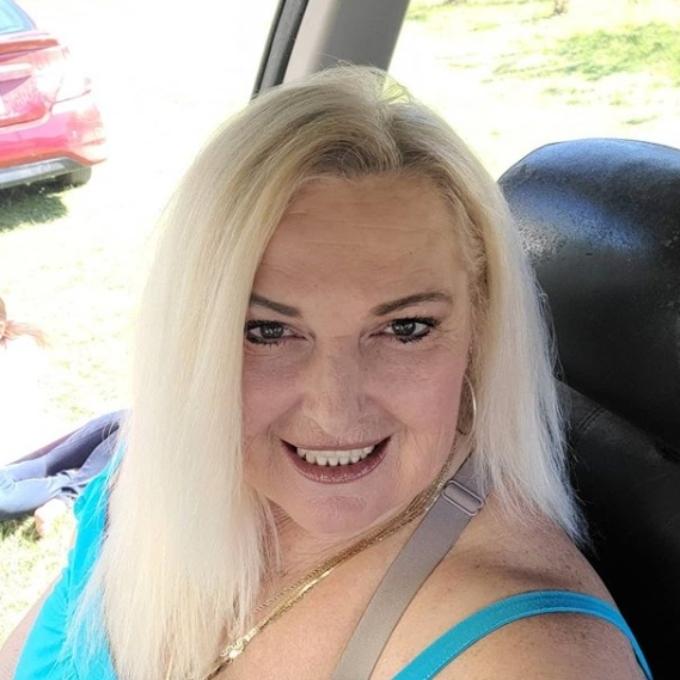 Angela Deem selfie