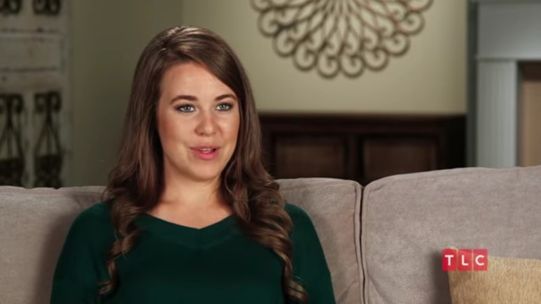Jana Duggar in a Counting On confessional.