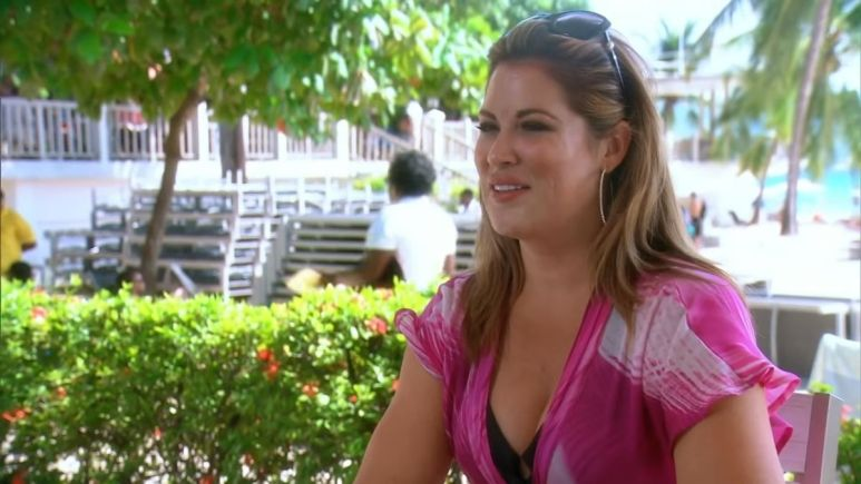 RHOC alum Emily Simpson is showing off her weight loss after gaining 30 pounds