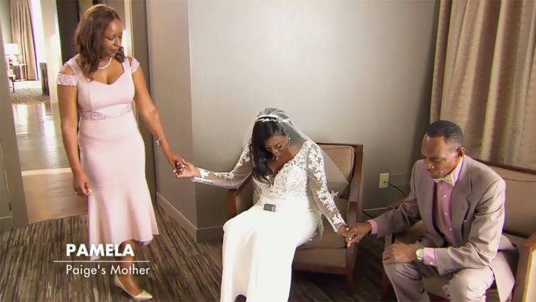 MAFS Season 12 Paige praying with her parents before wedding