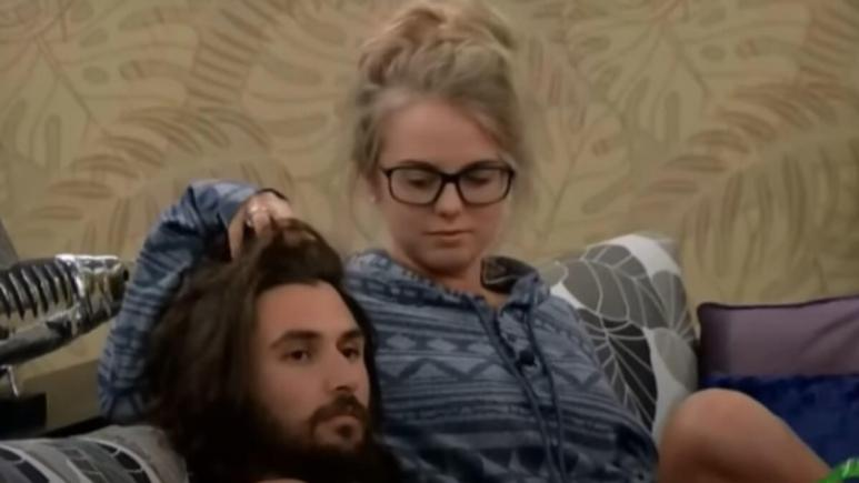 Nicole And Victor In BB18