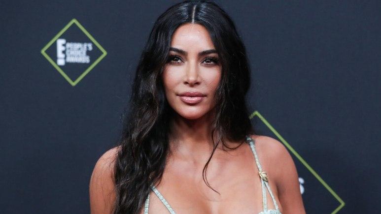 kim kardashian at 2019 E! People's Choice Awards