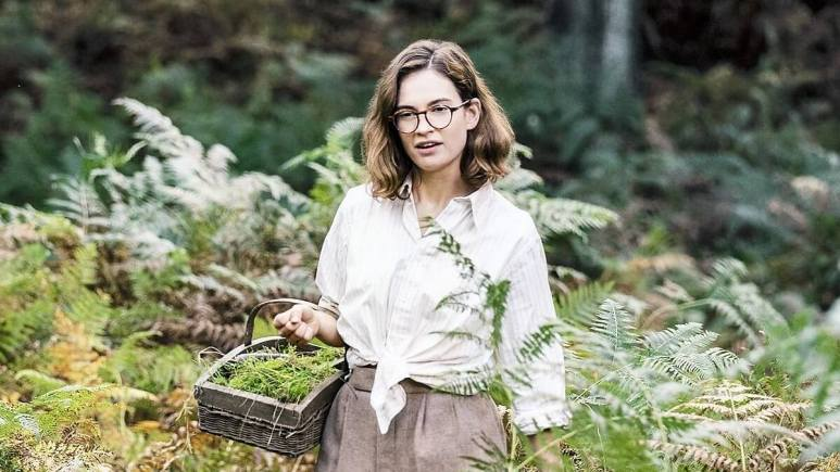 Image of Lily James as Peggy Piggott in The Dig.