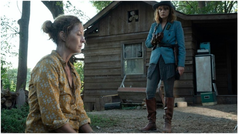 Jenna Elfman as June and Colby Minifie as Virginia, as seen in Episode 9 of AMC's Fear the Walking Dead Season 6
