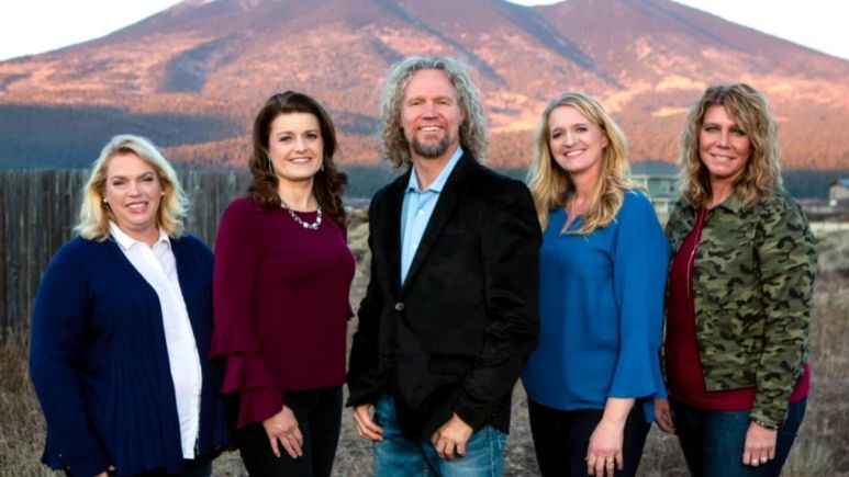 Kody Brown and his wives Janelle ,Robyn, Christine and Meri of Sister Wives