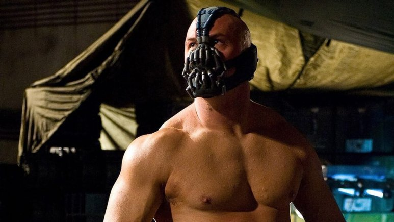 Bane preparing to fight in The Dark Knight