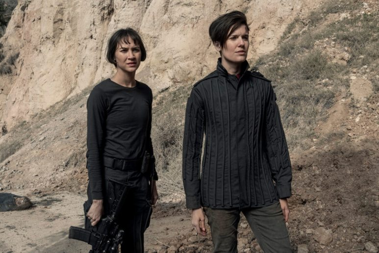 Sydney Lemmon as Isabelle and Maggie Grace as Althea, as seen in Episode 5 of AMC's Fear the Walking Dead Season 5