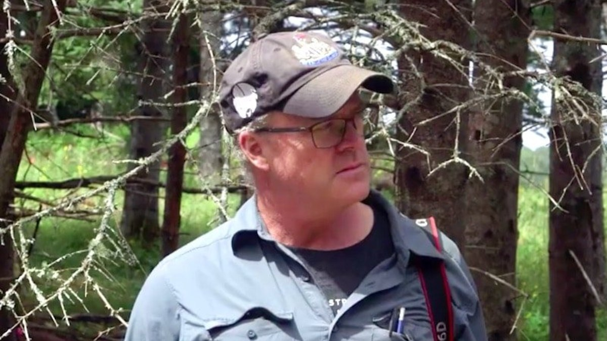 Laird Niven working on Oak Island