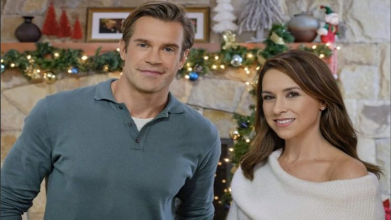 Lacey Chabert and Stephen Huszar star in Time For You to Come Home for Christmas on Hallmark Movies and Mysteriesstar in