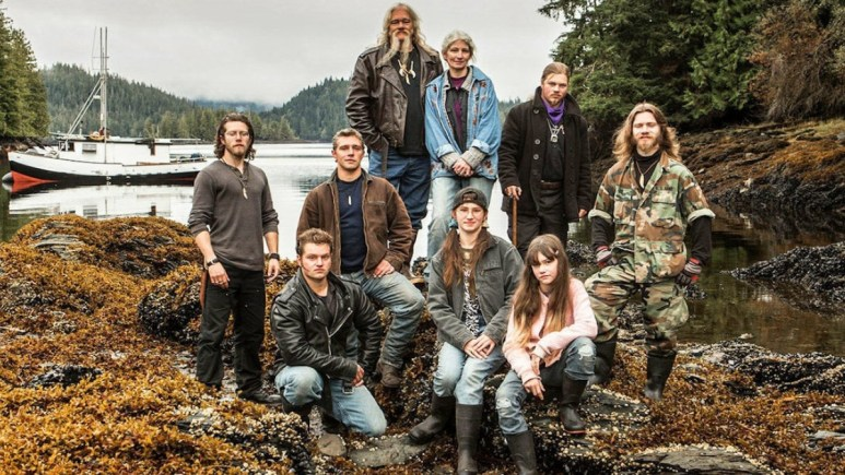 The Alaskan Bush People pose for a family picture.