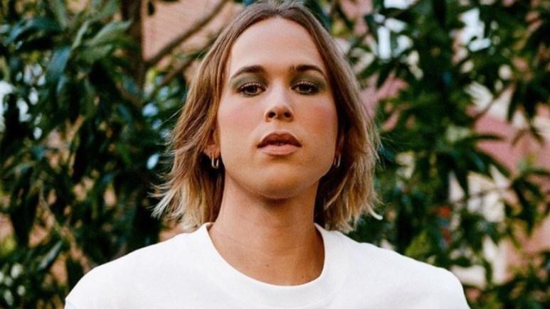 Tommy Dorfman transgender photo